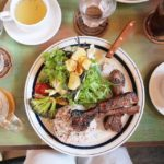 バーチーズでスペアリブランチ。美味しかった。#barchies #バーチーズ #鎌倉の昼ごはん (Instagram)