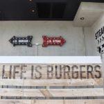 バーガーではなくステーキへ。今日は昼からガッツリお肉でパワーチャージ♡#jssteakstand #鎌倉の昼ごはん (Instagram)