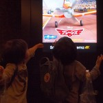 3歳双子の息子とはじめての映画鑑賞『プレーンズ』