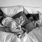 双子のお昼寝じかん。必須アイテムはクッション。